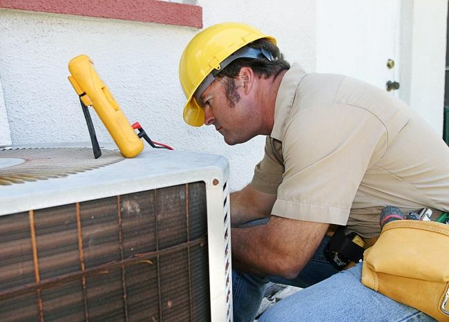 2 Reasons You Should Call an A/C Repair Technician ASAP