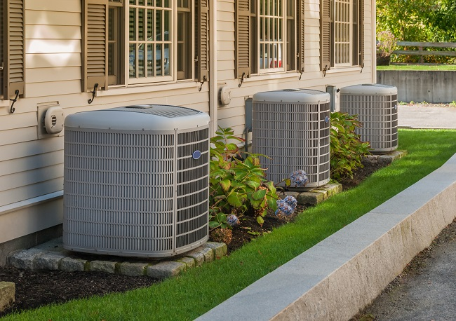 Refrigerant Leak: Should You Replace or Repair Your AC?